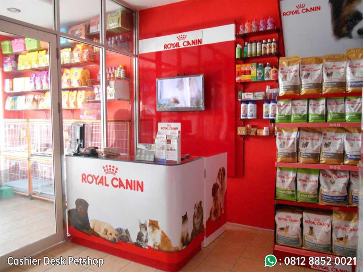 16. Cashier Desk Petshop